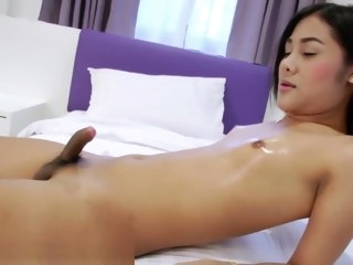 solo shemale masturbation