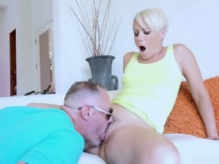 threesome blonde